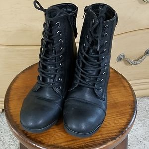 Piper Combat Boots with Shimmer! Sz 2